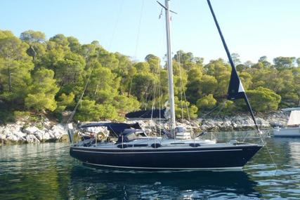 Jeanneau Gin Fizz 38 for sale in Greece for €44,000 (£38,792)