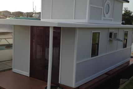 Custom built Houseboat-Office for sale in United States of America for $17,499 (£12,458)