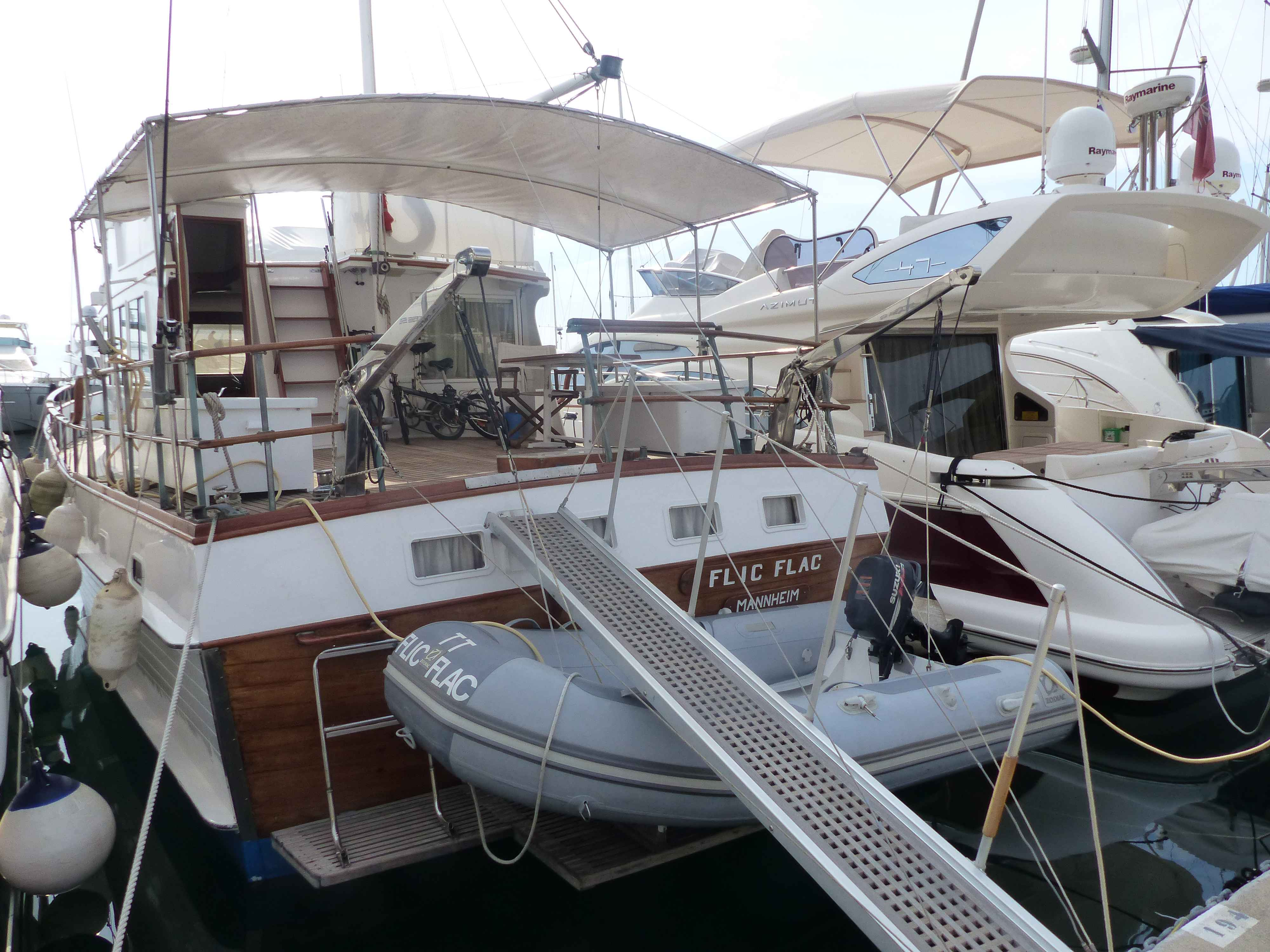 Banks For Sale >> Grand Banks 48 Motoryacht For Sale In France For 99 000