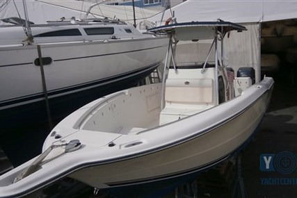 Triton 281 CC for sale in Italy for €70,000 (£61,268)