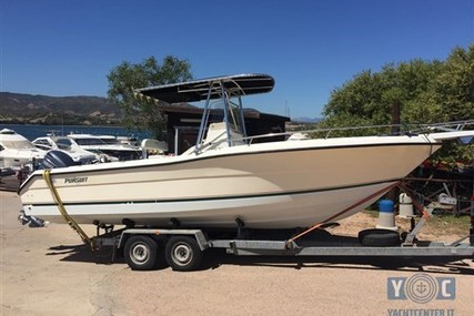 Pursuit C 2470 Center Console for sale in Italy for €35,000 (£31,004)