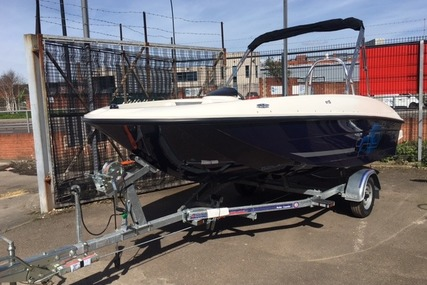 Bayliner Element E5 for sale in United Kingdom for £22,999 ($30,881)