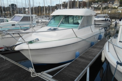 Jeanneau Merry Fisher 750 for sale in France for €25,000 (£22,050)