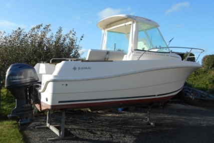 Jeanneau Merry Fisher 585 for sale in France for €16,900 (£14,947)