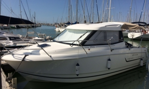 Image of Jeanneau Merry Fisher 755 Marlin for sale in France for €42,500 (£37,468) LA ROCHELLE, France