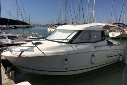 Jeanneau Merry Fisher 755 Marlin for sale in France for €42,500 (£37,327)