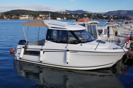 Jeanneau Merry Fisher 605 for sale in France for €34,000 (£30,070)