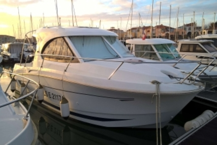 Beneteau Antares 8 for sale in France for €45,000 (£39,863)