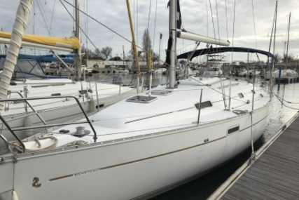 Beneteau Oceanis 331 Clipper for sale in France for €47,000 (£41,635)