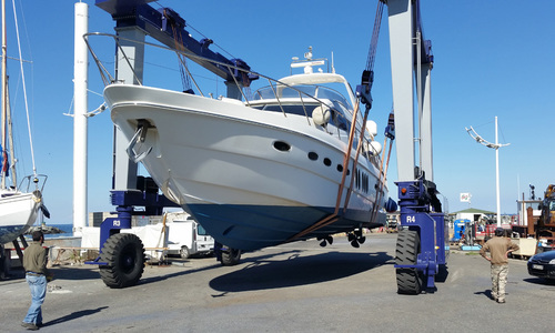 Image of Sealine T60 for sale in France for €399,950 (£351,271) Corsica, France