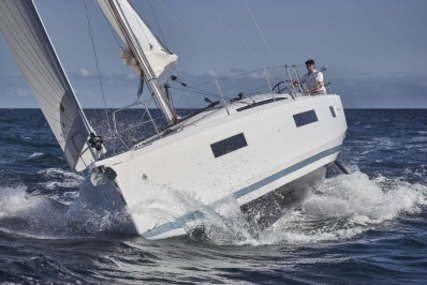 Jeanneau Sun Odyssey 440 for sale in France for €298,000 (£261,154)