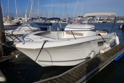 Jeanneau Cap Camarat 8.5 CC for sale in France for €75,000 (£66,029)