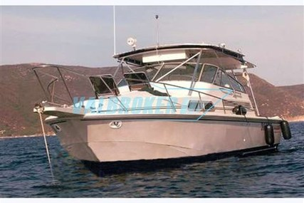 Boston Whaler 31 Express for sale in Italy for €45,000 (£39,863)