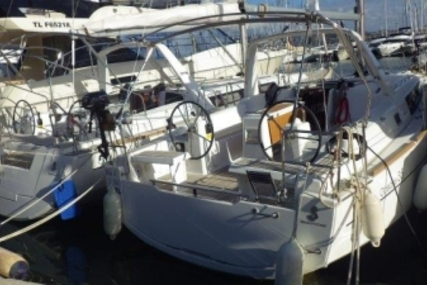 Beneteau Oceanis 35 for sale in France for €87,500 (£77,437)