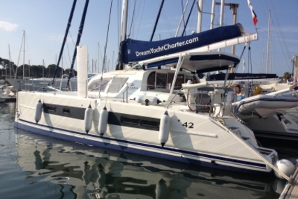 Catana 42 for sale in France for €275,000 (£241,357)