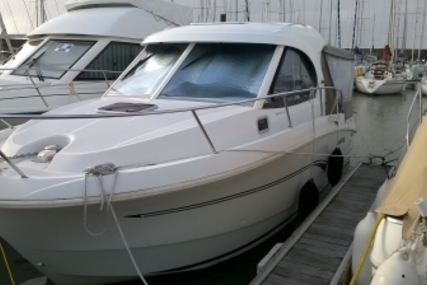 Beneteau Antares 8 for sale in France for €45,000 (£39,165)