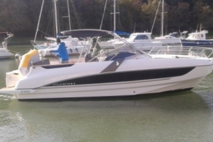 Beneteau Flyer 8.8 Sundeck for sale in France for €105,000 (£91,799)