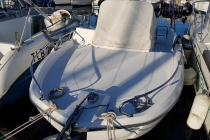 Beneteau Flyer 6 Sundeck for sale in France for €33,000 (£29,187)