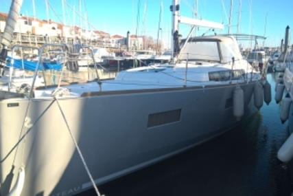Beneteau Oceanis 38 Shallow Draft for sale in France for €140,000 (£123,255)
