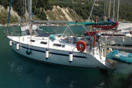 Bavaria 35 Holiday for sale in Greece for £45,000
