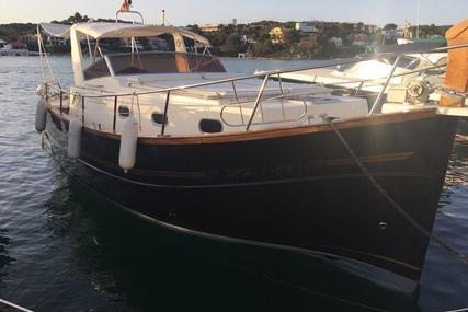 Menorquin 100 for sale in Spain for €98,995 (£87,557)