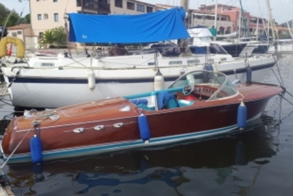 Riva Ariston for sale in France for €109,000 (£96,557)