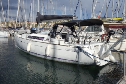 Beneteau Oceanis 37 for sale in France for €92,000 (£80,434)