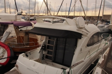 Beneteau Antares 30 for sale in France for €135,000 (£117,955)