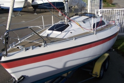 Etap Yachting ETAP 22 I for sale in France for €9,300 (£8,238)