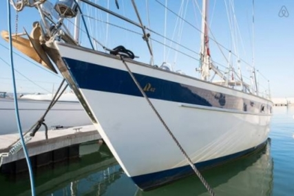 Hallberg-Rassy 42 for sale in Greece for €119,500 (£105,796)