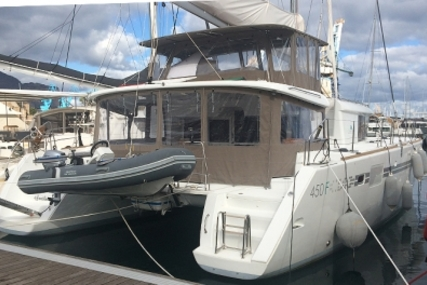 Lagoon 450 for sale in Italy for €450,000 (£397,333)
