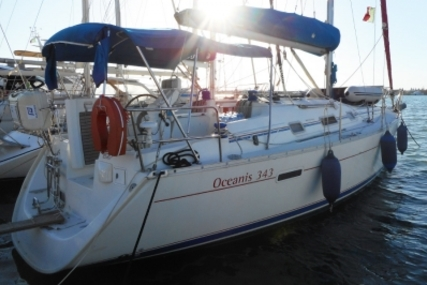 Beneteau Oceanis 343 Shallow Draft for sale in Italy for €49,000 (£43,265)