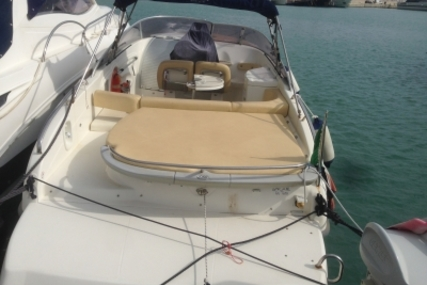 Cranchi CSL 27 for sale in Italy for €36,000 (£31,872)
