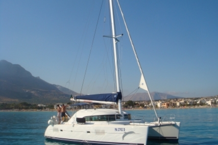 Lagoon 380 Premium for sale in Italy for €150,000 (£132,661)