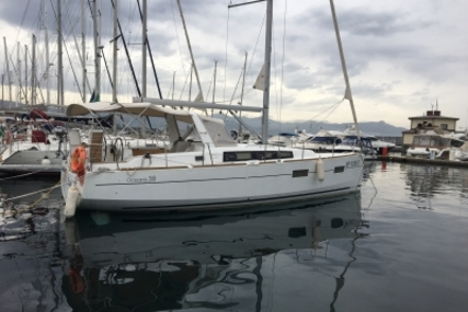 Beneteau Oceanis 38 for sale in Italy for €105,000 (£92,549)