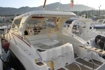Manò Marine MANO 28.50 for sale in Italy for €58,000 (£51,910)