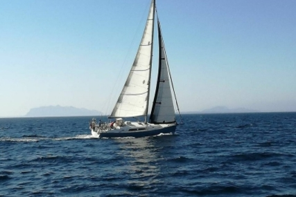 Hanse 400 for sale in Italy for €94,000 (£82,603)