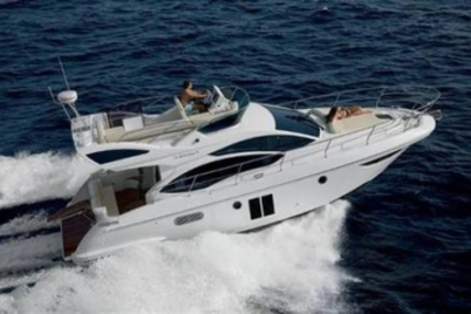 Azimut 38 for sale in Turkey for €280,000 (£247,650)