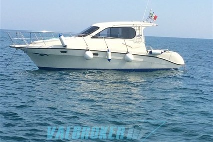 Intermare 800 for sale in Italy for €47,000 (£41,373)