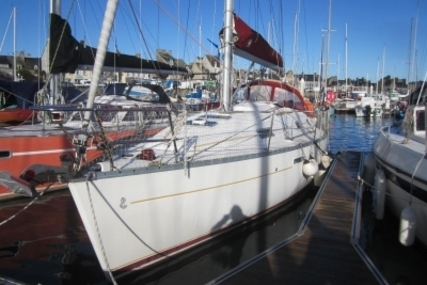 Beneteau Oceanis 331 Clipper for sale in France for €46,000 (£40,749)