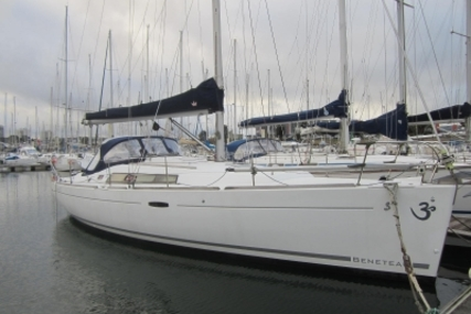 Beneteau Oceanis 37 for sale in France for €80,000 (£71,607)