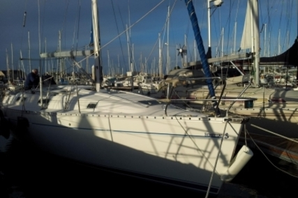 Beneteau Oceanis 351 for sale in France for €45,000 (£39,664)