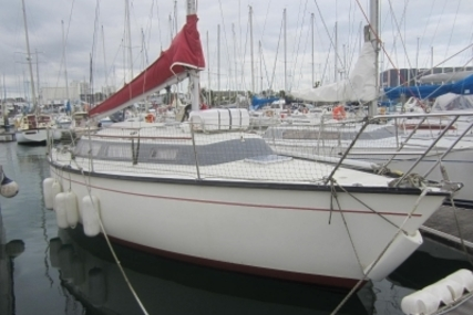 Dufour 2800 for sale in France for €13,900 (£12,176)