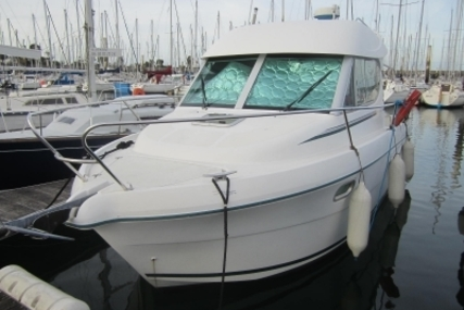 Jeanneau Merry Fisher 805 for sale in France for €29,000 (£25,575)