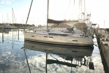 Jeanneau Sun Odyssey 409 Performance for sale in France for €167,000 (£147,025)