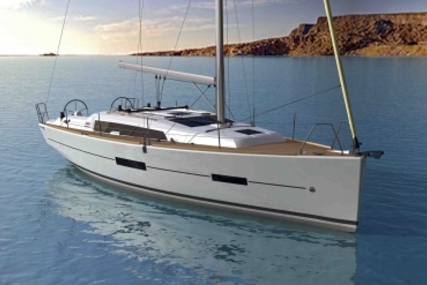 Dufour 382 Grand Large for sale in France for €139,000 (£121,762)