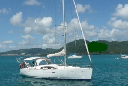 Beneteau Oceanis 40 for sale in France for €119,500 (£104,592)