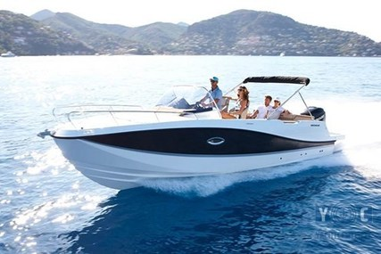 Quicksilver 755 Activ for sale in Italy for €50,090 (£44,175)