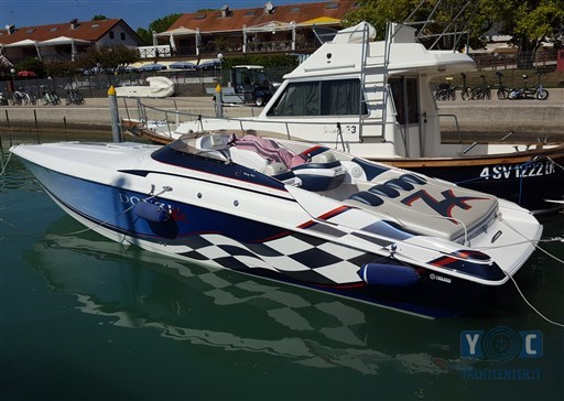 Donzi For Sale >> Donzi Donzi 33 Zx For Sale In Italy For 64 000