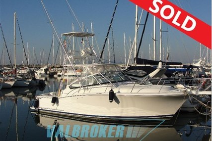 Luhrs 31 for sale in Italy for €80,000 (£70,108)